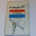 The Pocket Encyclopaedia of Bombers Aircraft in Colour Kenneth Munson